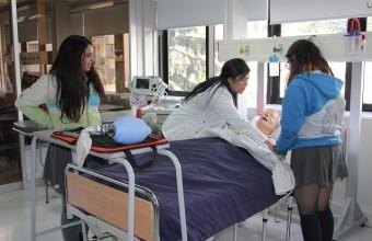 Gran convocatoria tiene Taller Vocacional de Enfermería UDD