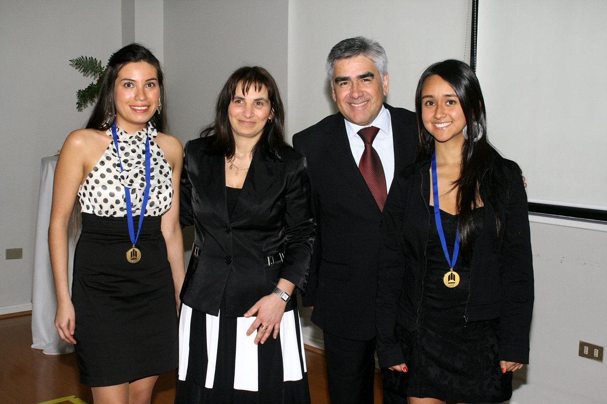 Alumnas, Directora de Carrera y Decano