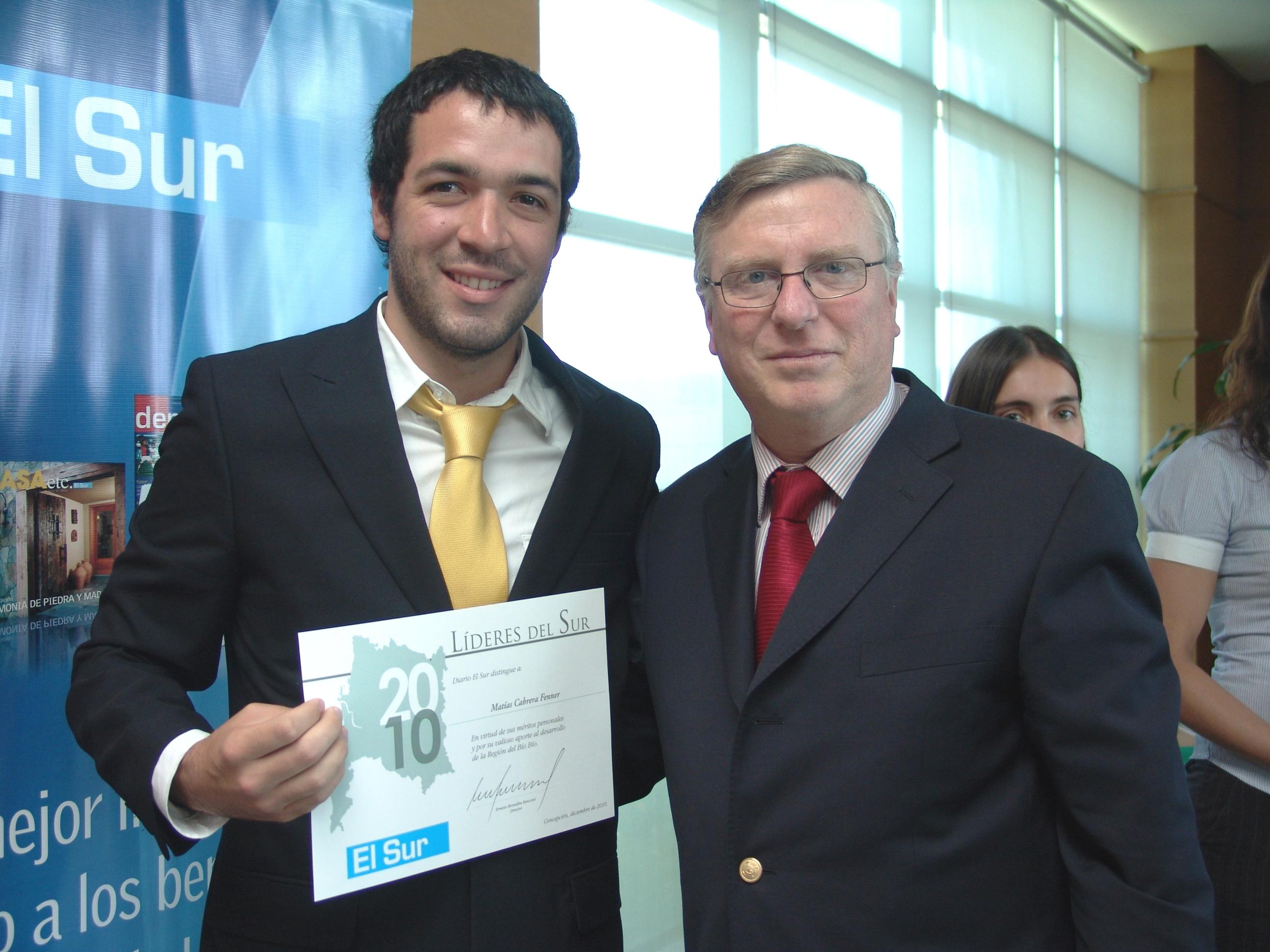 Matías Cabrera, Odontólogo líder de la solidaridad