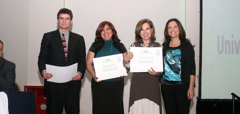 Profesionales recibieron títulos de Magíster y Postítulos en UDD