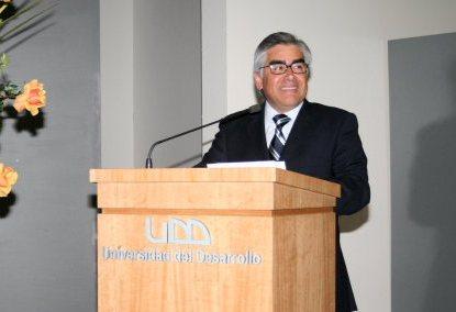 Luis Vicentela, Decano Facultad Odontología