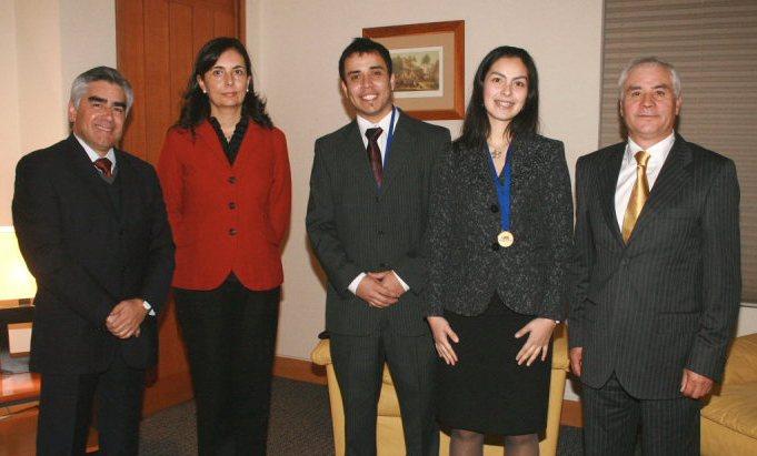 Nuevos Kinesiólogos y Autoridades UDD
