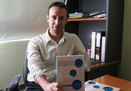 Destacado docente publica libro sobre Investigación