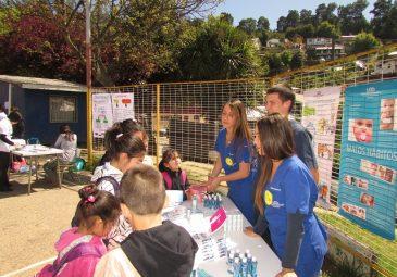 Odontología UDD participa en Feria de Agüita de la Perdiz