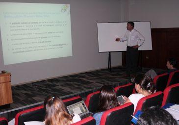 Dirección de Ciencias Básicas, Metodología e Investigación organiza capacitación