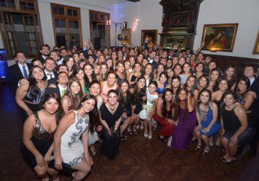 Nuevos odontólogos celebran en Cena de Egresados