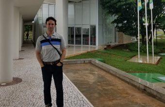 Docente de Investigación dicta cátedra en Universidad de Brasilia