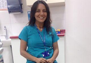 Conoce a nuestros egresados: Pamela Torres y su rol en el sistema público de salud.
