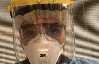 En primera línea contra la pandemia: Felipe Pinto, egresado de Kinesiología