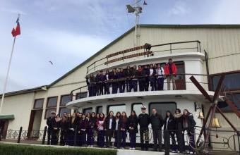 Alumnos realizan evaluaciones en Isla Quiriquina