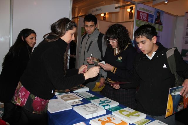 UDD participó en Feria de Admisión para alumnos de enseñanza media